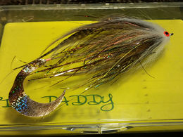 Wiggle Tail pike fly with Wonder Fur head (Creme)